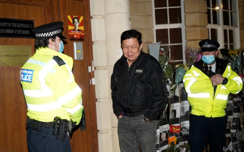 """Birmanie: l'ambassade de Londres """"occupée"""", dossier sur les violations pour l'ONU"""
