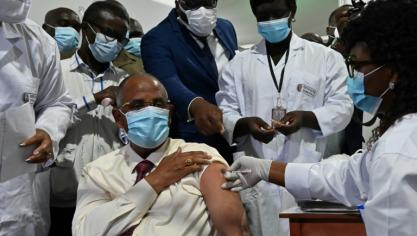 Virus: la vaccination gagne du terrain, Ghana et Côte d'Ivoire lancent Covax