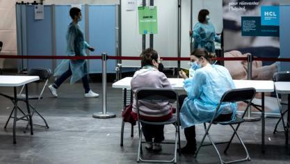 Virus : l'Europe montrée du doigt par l'OMS, nouvelles restrictions en France