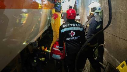 Taïwan: un train déraille dans un tunnel, au moins 50 morts
