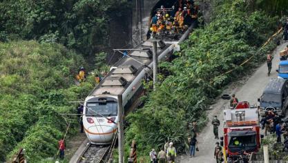 Taïwan : un train déraille dans un tunnel, au moins 50 morts