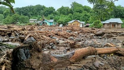 Au moins 120 morts dans les inondations en Indonésie et au Timor oriental