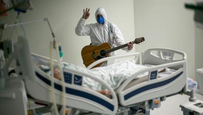 Virus: la Californie prévoit de rouvrir mi-juin, record de morts au Brésil