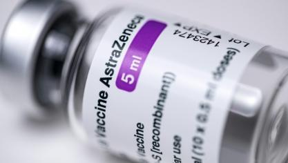 Virus: les caillots sanguins, effet secondaire très rare du vaccin AstraZeneca