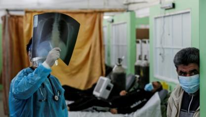 Pandémie: la vaccination connaît des ratés, Berlin discute avec Moscou
