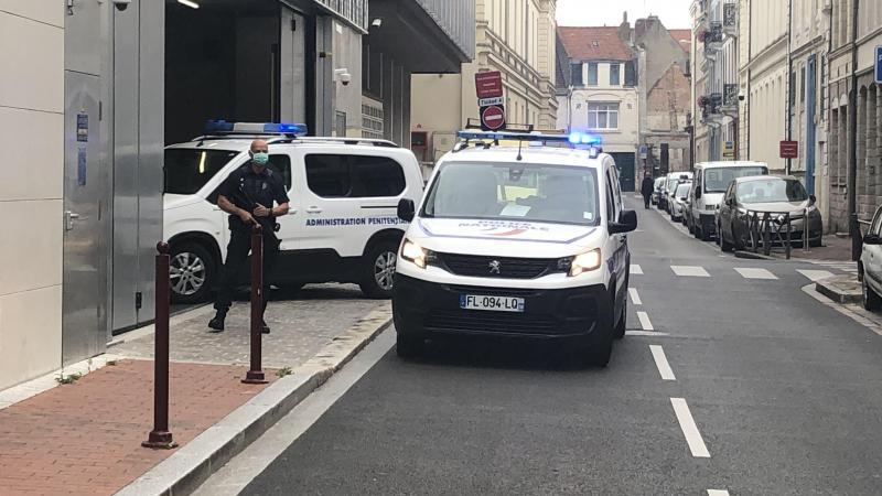 Willy Bardon est arrivé sous bonne escorte au palais de justice de Douai en juillet dernier.
