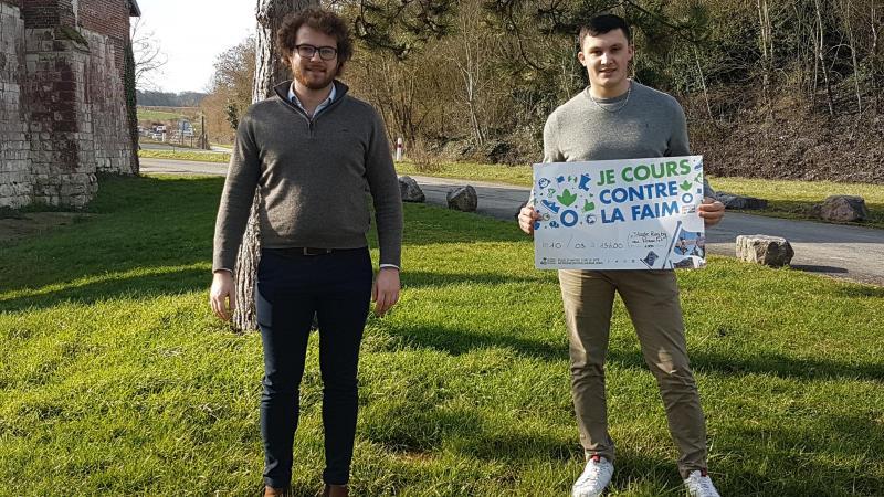 Matthieu Delaleau et Corentin Prévost sont les deux organisateurs de la Course contre la Faim, au lycée agricole Le Paraclet à Cottenchy.
