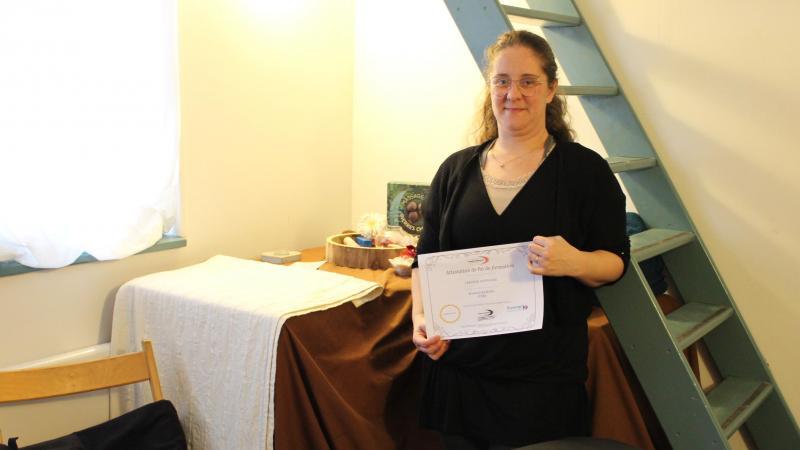Après avoir œuvré dans l'aide à la personne, Stéphanie Lerouge s'est reconvertie dans le bien-être, en ouvrant «Stef Massage» à Roisel.