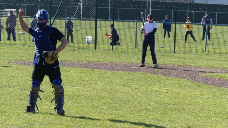 Les entraînements du club de baseball Les Apaches ont repris en janvier tous les dimanches matins.