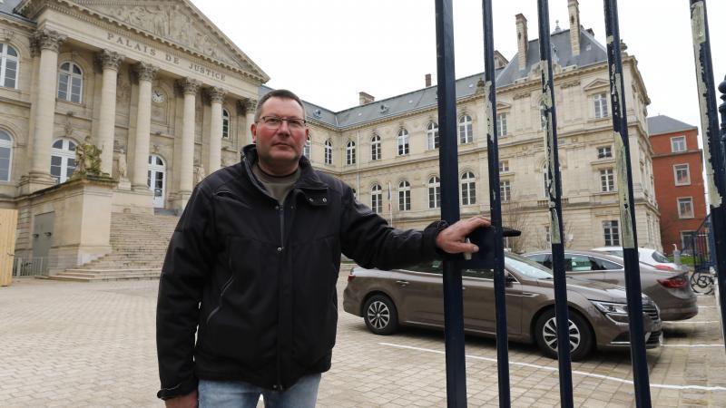 Christophe Heuzé réfléchit à la création d'une association pour mieux protéger les usagers de la Coulée verte (photo FRED HASLIN).