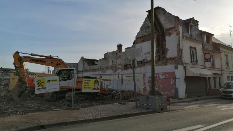 La démolition de l'immeuble est terminée.