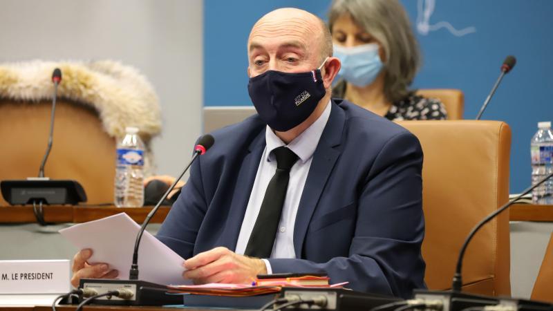 Stéphane Haussoulier, président du conseil départemental, demande que le département ne soit pas reconfiné pour le moment.