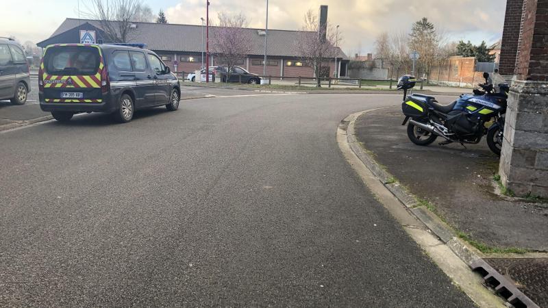 Lundi, dès 16 heures, le déploiement de gendarmes dans les rues de Vignacourt avait été important, et avait permis de mettre la main sur un des trois fuyards.