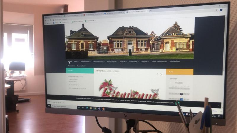 Location de la salle des fêtes, démarches administratives, écoles... Tout est accessible depuis le site internet