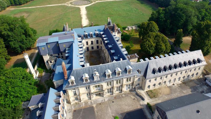Le parc du château accueillera-t-il bientôt des fables et des mousquetaires? Tout est à inventer en s'inspirant du succès du Puy du Fou, pour le député.