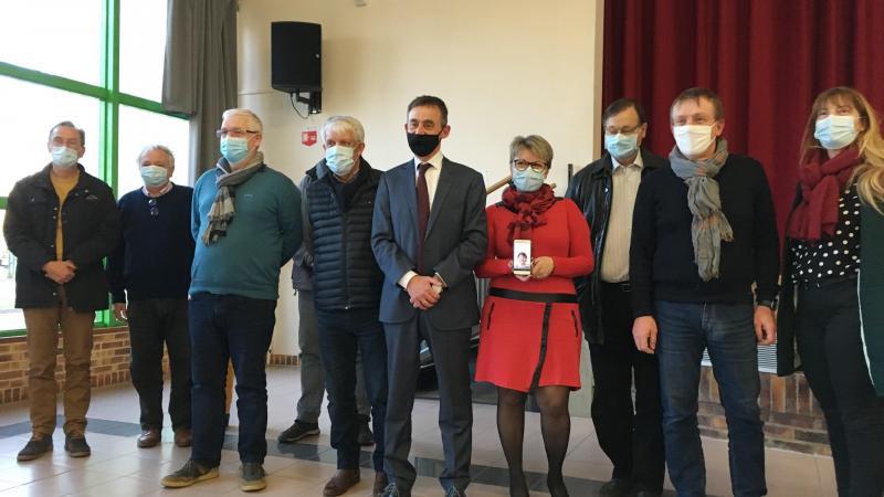 Au centre, Denis Dupuis (PC) et Mirjana Jakovljevic (apparentée PS), en rouge, binôme pour les élections départementales dans le Clermontois.