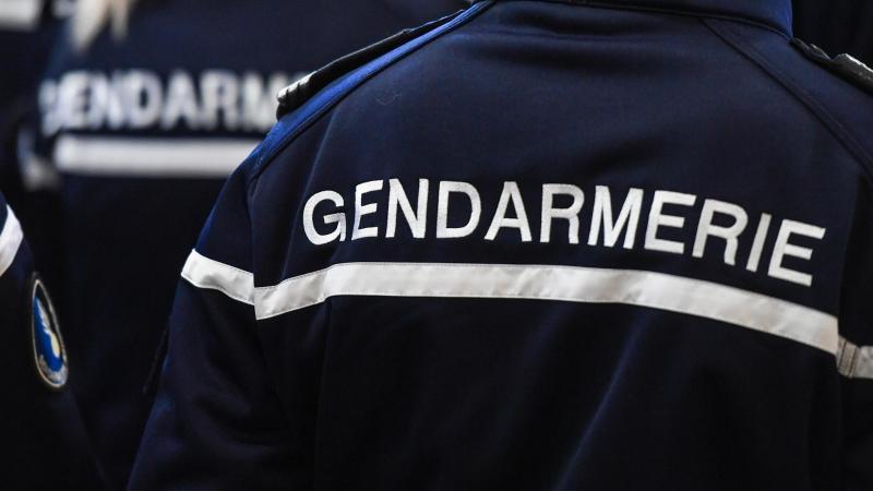 Les gendarmes après avoir été visés par la prévenue, l'ont pourchassée entre Saint-Quentin et Soissons.