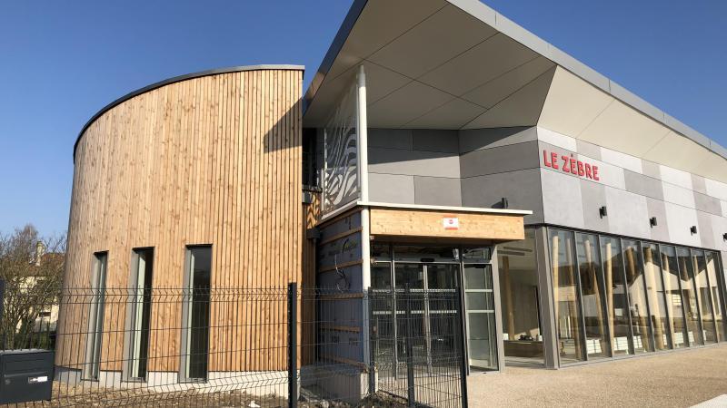 Il reste quelques finitions sur le bardage extérieur. L'enrobé, aux abords du bâtiment de 340 m2, doit être réalisé mercredi 24 mars. La réception du chantier est prévue la semaine prochaine.