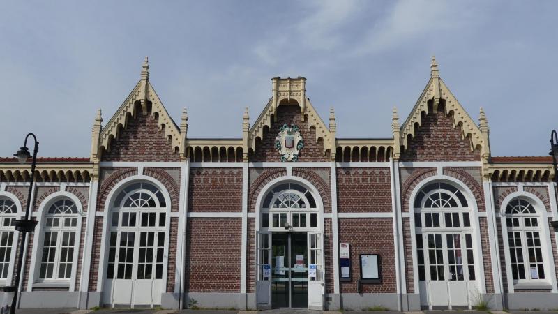 La gare d'Abbeville est privée de son clocheton depuis juillet 2018.