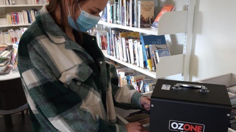 L'employée communale qui s'en occupe a été formée à l'utilisation des deux générateurs d'ozone, qui nécessite quelques précautions.