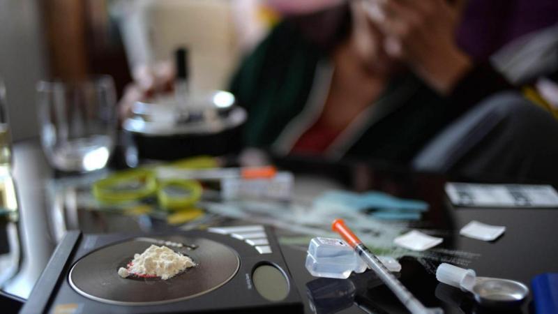Le trafic alimentait les toxicomanes en héroïne et en cocaïne.