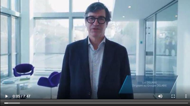 Luc Delabie, l'un des dirigeants de l'entreprise, présente la nouvelle gamme dans une vidéo de 7 minutes.