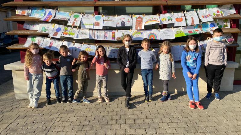 65 enfants ont travaillé la grande lessive édition 2021.