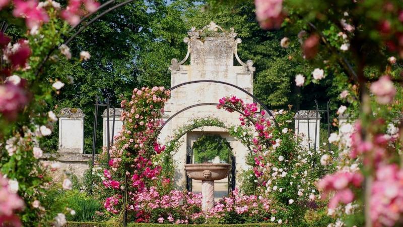L'actuelle roseraie, qui sert d'écrin aux Journées de la rose, date du XIXe siècle et a été recréée entre 1998 et 2000.