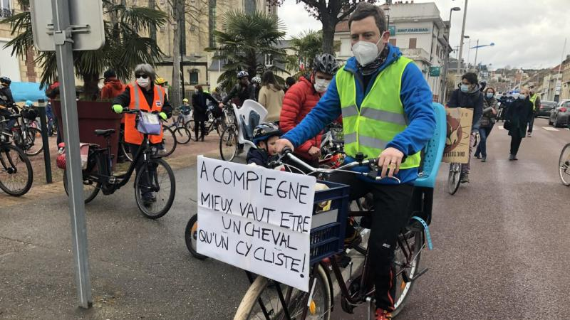 L'opposant Etienne Diot a renouvelé samedi, dans les rues de Compiègne, les constestations portées la veille au sein du conseil municipal.