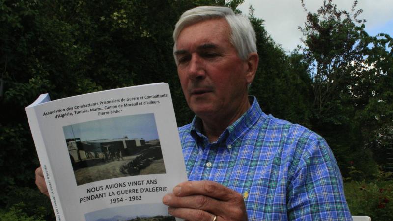 Pierre Bédier et l'ouvrage qu'il a publié en 2011.