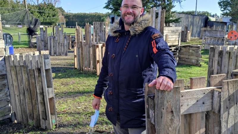 Xavier Nicol est président de la jeune association de paintball à Sailly-Saillisel.