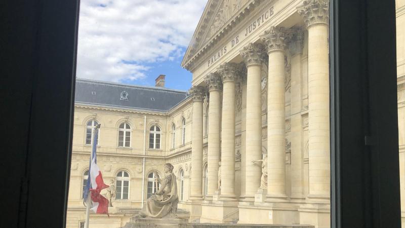 Le procès a eu lieu ce mercredi matin au palais de justice, où le couple était représenté par leur avocat, Me Jérôme Crépin. La décision sera rendue le 8 avril.