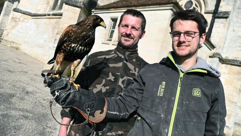 Willy et Yoan Vangrevelinghe font équipe au sein de la société VGV, basée à Carlepont.