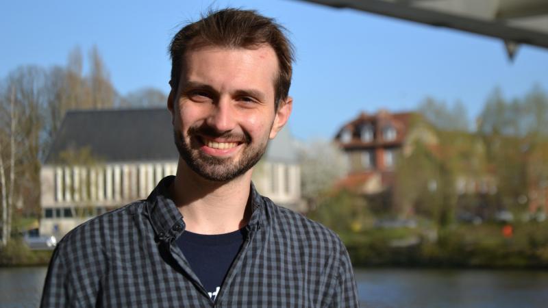 Estaban Chalois, originaire de Verberie, est le président du GEM (groupe d'entraide mutuelle) Autisme Oise.
