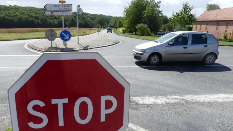 L'accident s'est produit à ce carrefour tristement connu pour les accidents qui s'y produisent. (Photo d'archives)
