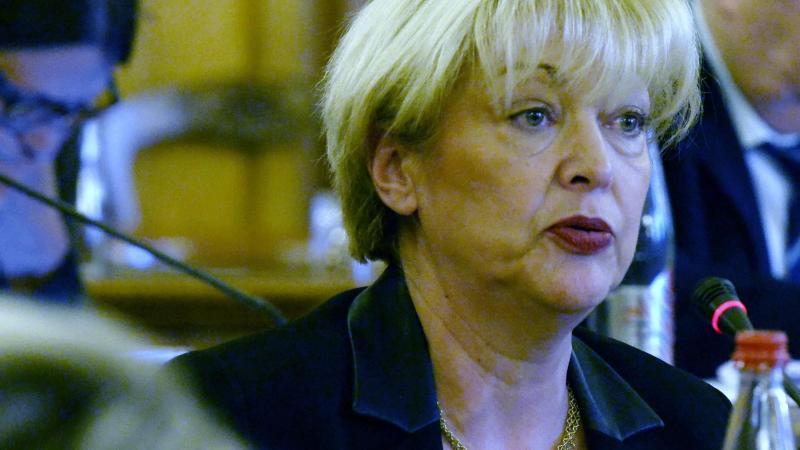 La sénatrice de l'Aisne porte une résolution pour l'adoption du passeport vert.