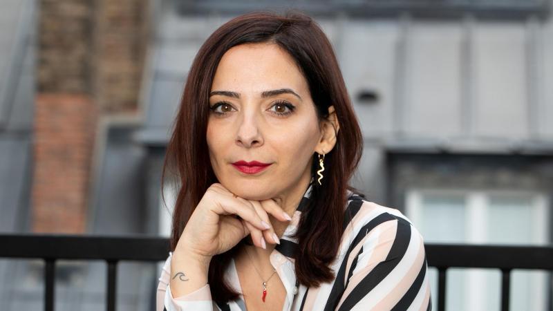 Serena Giuliano publie un troisième roman qui oscille entre mélancolie et gaieté.