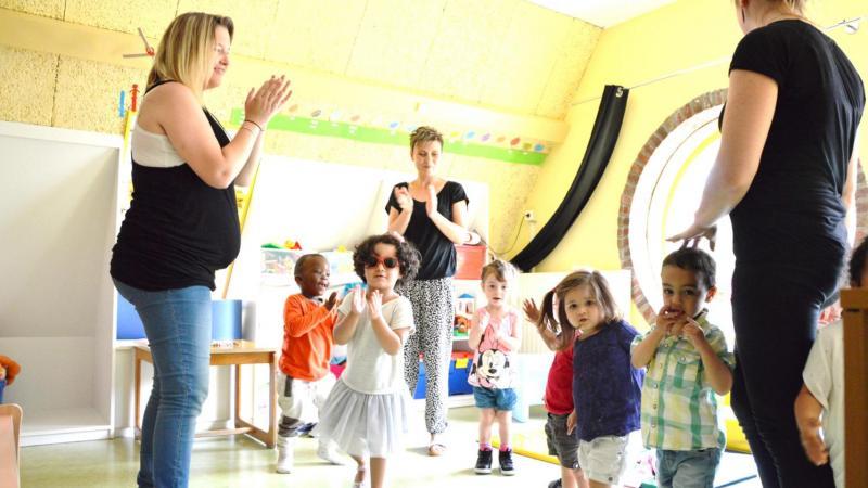 Les assistantes maternelles peuvent travailler mardi, pas les crèches... a priori.