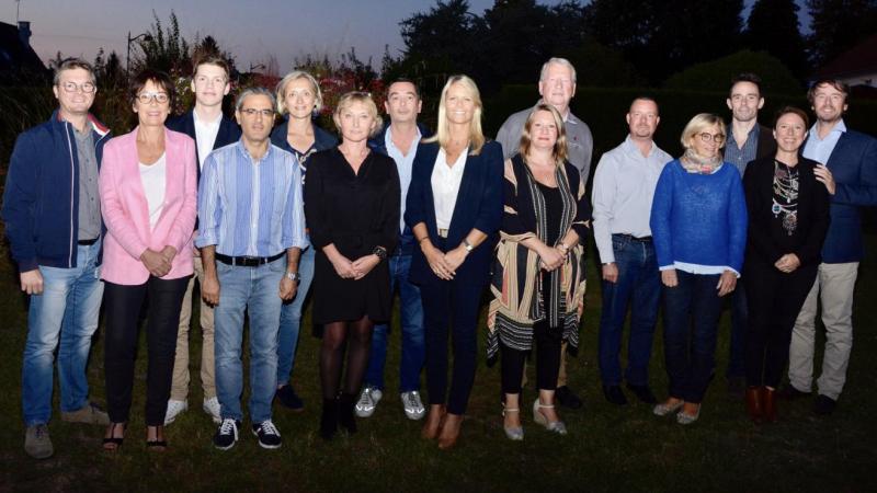 L'équipe de Virginie Ardaens (au centre) avant les élections municipales en 2020.