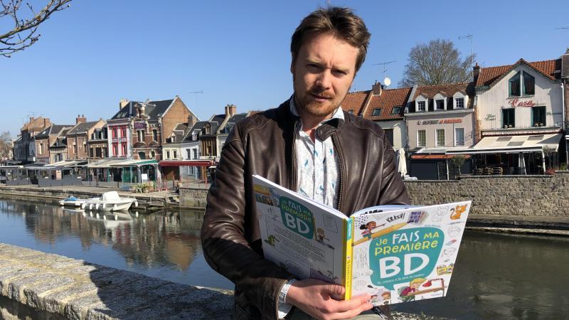 Greg Blondin a mis en pages la démarche d'apprentissage de la BD qu'il développe depuis quelque temps sur sa chaîne YouTube.