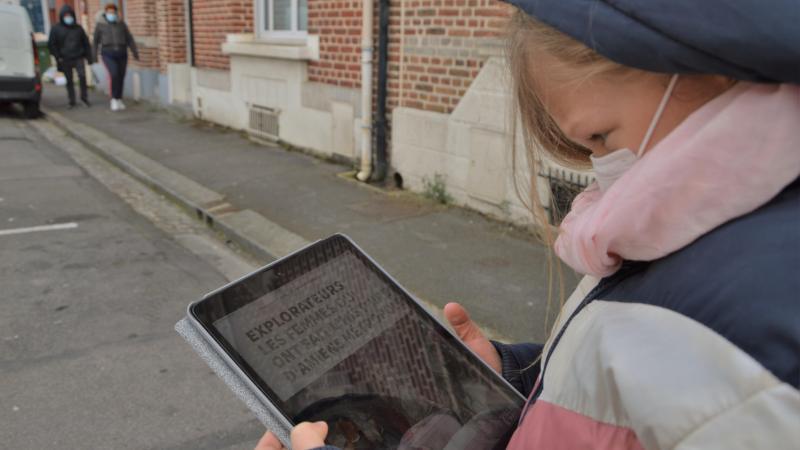 Les livrets peuvent être imprimés ou lus sur une tablette grâce à la liseuse.