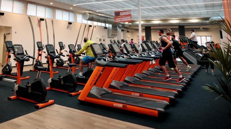 Les salles de sport sont fermées pour le grand public depuis fin octobre, mais restent ouvertes pour certains.