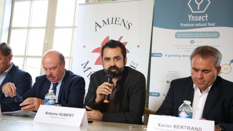 Antoine Hubert (au centre avec le micro), président - directeur général d'Ynsect, a déjà remporté de nombreuses récompenses avant le prix Choiseul 100 en 2021.