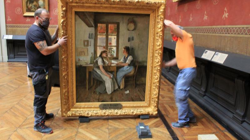 Le tableau a été accroché dans le grand salon du musée de Picardie.