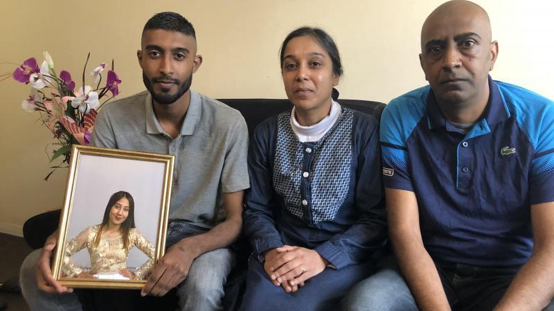 Le frère, la mère et le père de la victime parlent avec une très grande dignité.