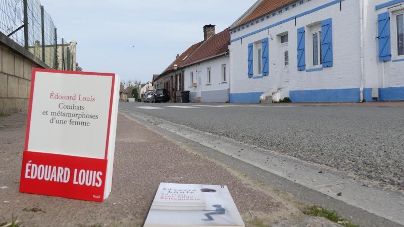 Eddy Bellegueule a grandi rue Douville-Maillefeu, à Hallencourt. Et c'est là qu'il place la narration de son dernier roman : «Combats et métamorphoses d'une femme». (Photo Alexandra MAUVIEL)