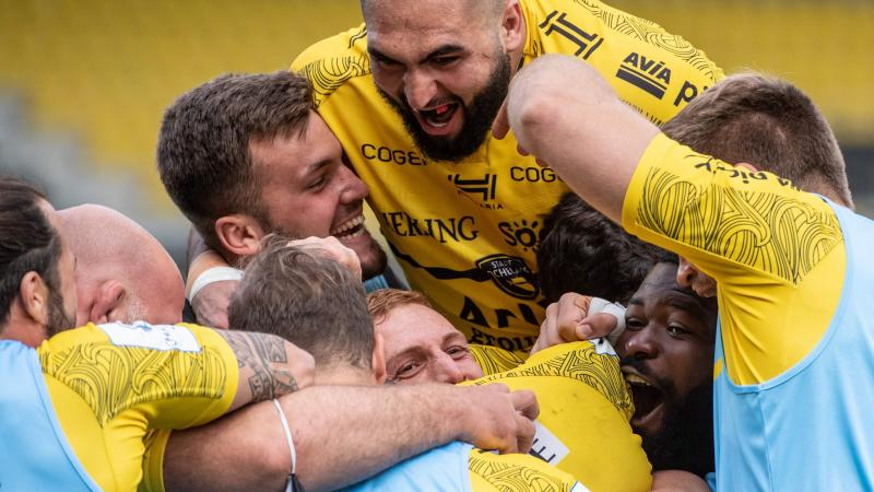 TOPSHOT-RUGBYU-EUR-CUP-LAROCHELLE-SALE