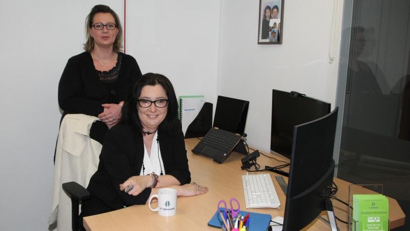 Laura Fougeroux et sa secrétaire Céline Vasseur.