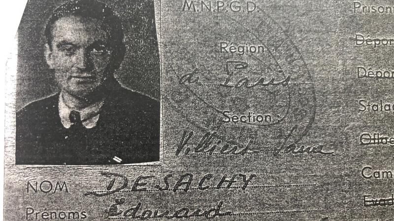 La photocopie sombre de la carte de prisonnier de guerre de Fernand-Édouard Desachy.