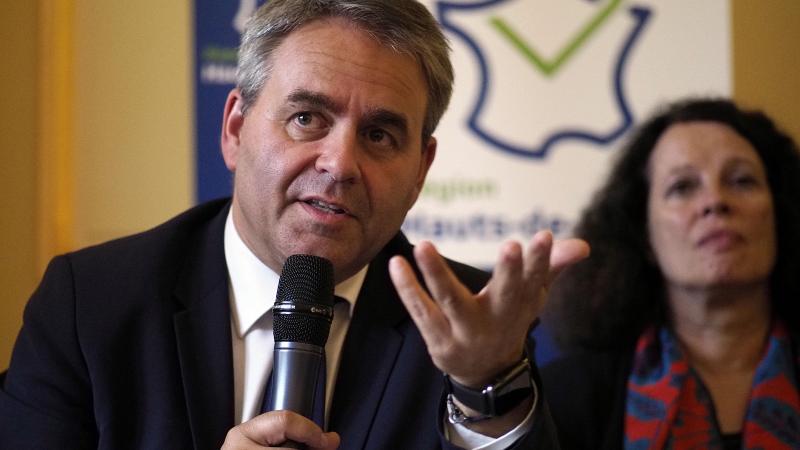 Xavier Bertrand réprouve la stratégie vaccinale actuelle de la France contre le Covid-19.